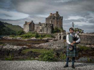 Carol Rhodes ~ Piper at the Castle