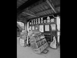 Ray Bates ~ Quorn Station Luggage