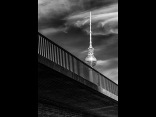 Silke Neugaertner ~ Sky Needle